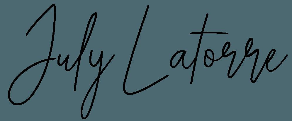 logo july cursiva 3