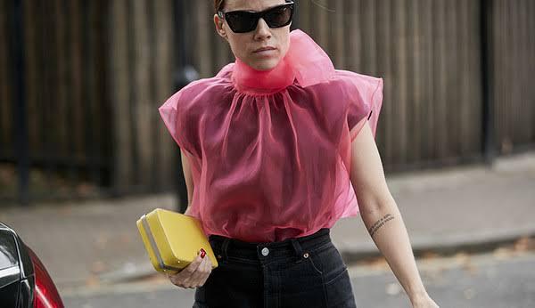 Blusa de organza elegante