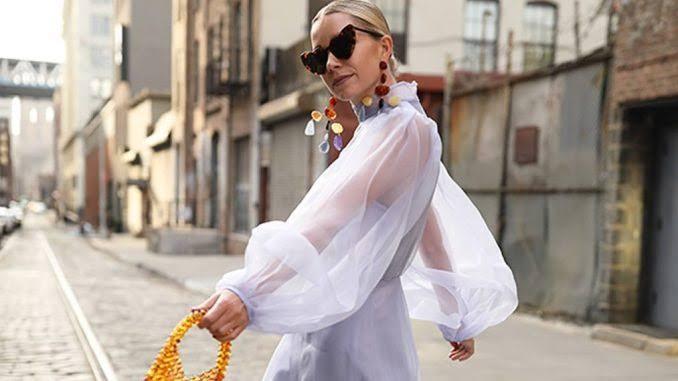 Blusa elegante y femenina de organza